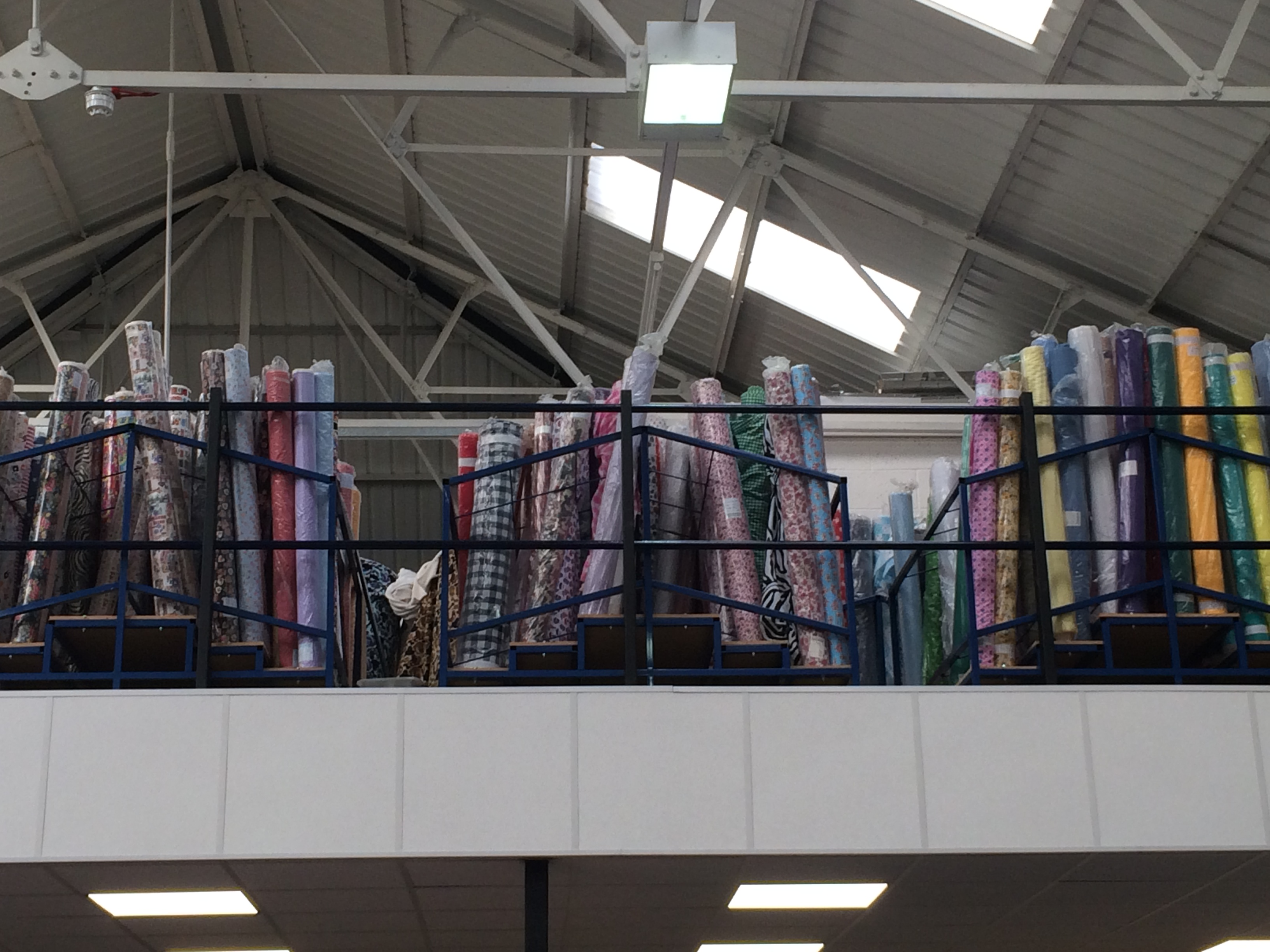 Fabric Roll Stand 1 5m X 1 5m Wide Uk Display Stands Shop
