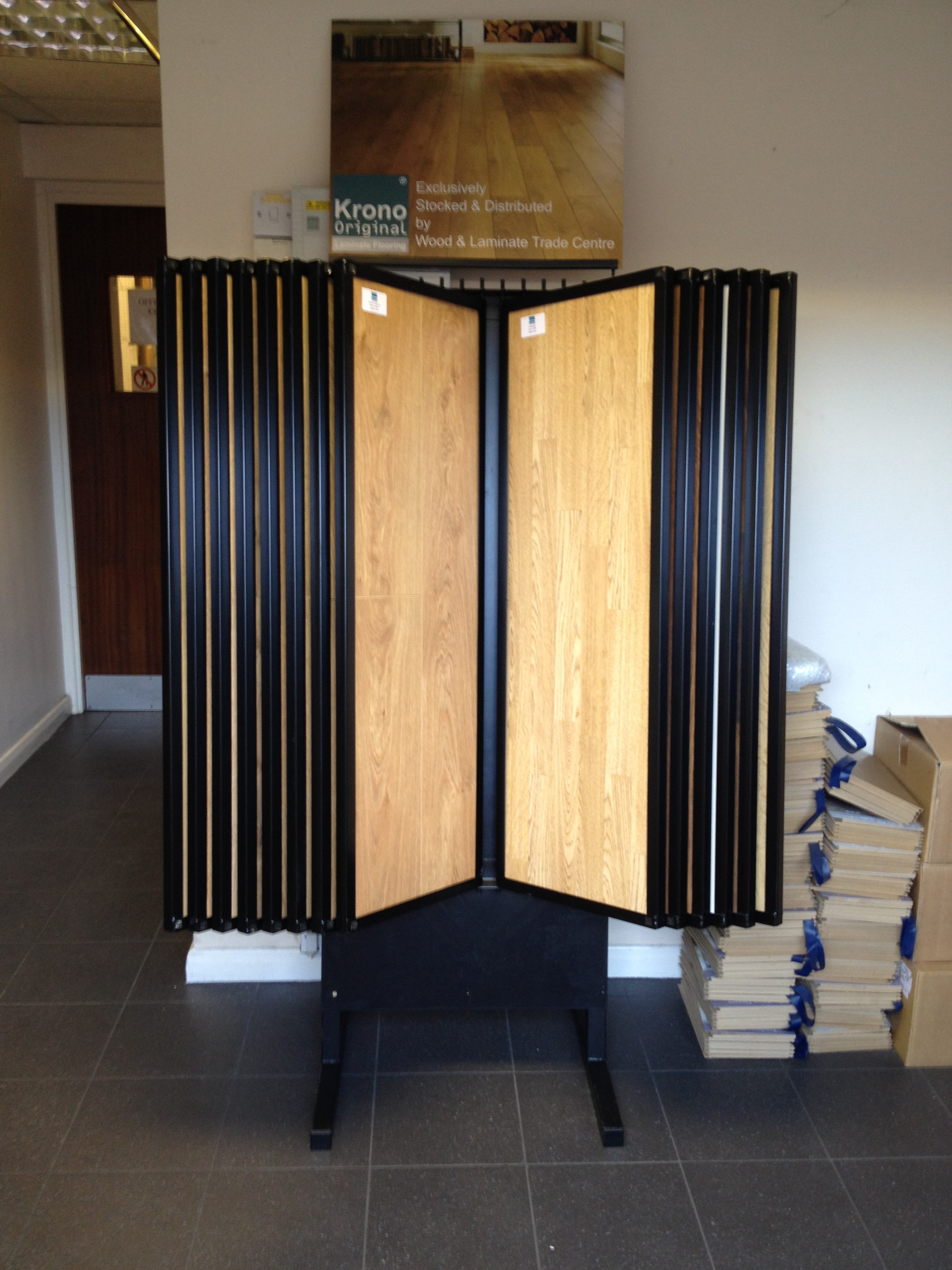 Laminate Swing Arm Stand 28 Samples Uk Display Stands