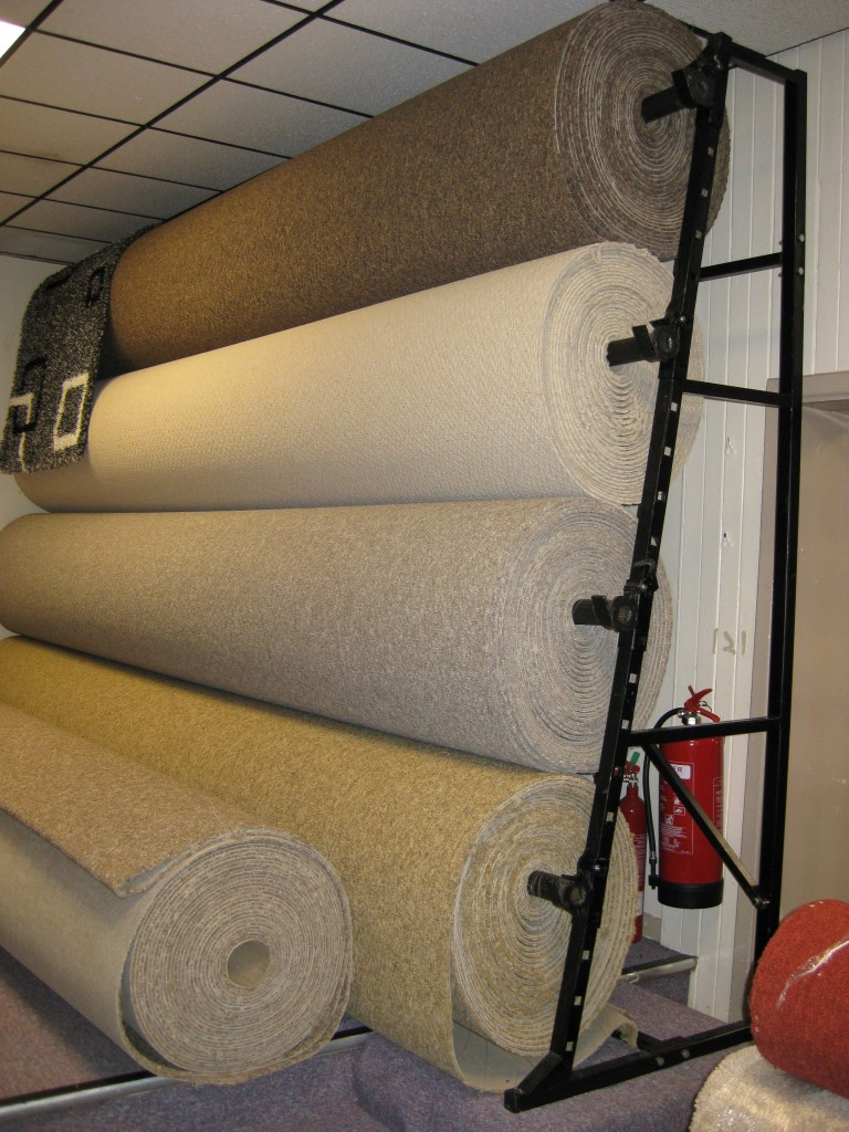 4 ROLL SINGLE SIDED CARPET STAND 5M