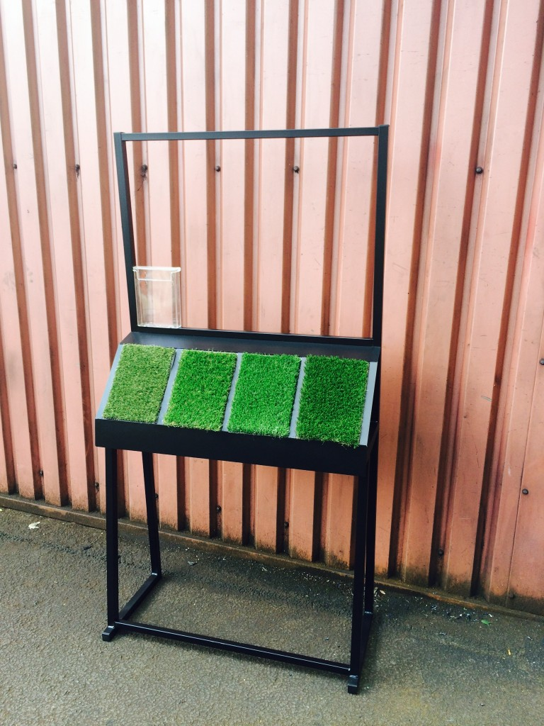 GRASS STAND 4 SAMPLE LECTURN