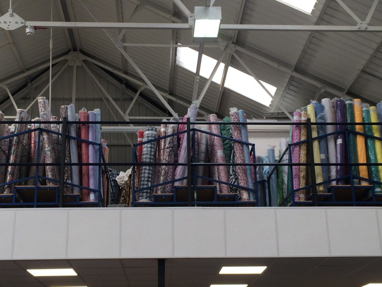 FABRIC ROLL STAND 1.5M X 1.5M WIDE