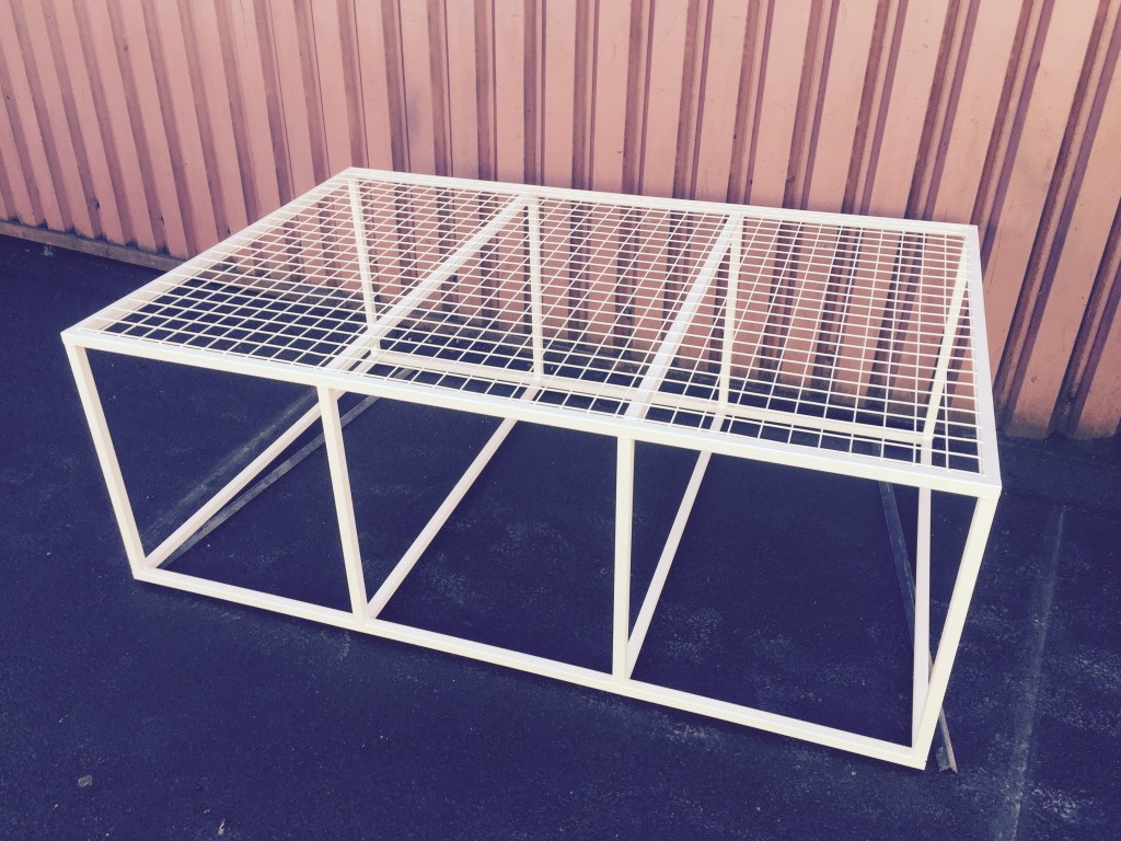 RUG BED STAND 6 x 4