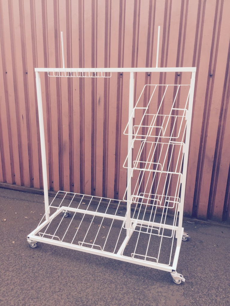 6 TIER MAT / CARPET STAND WITH HEADER AND HOOKS